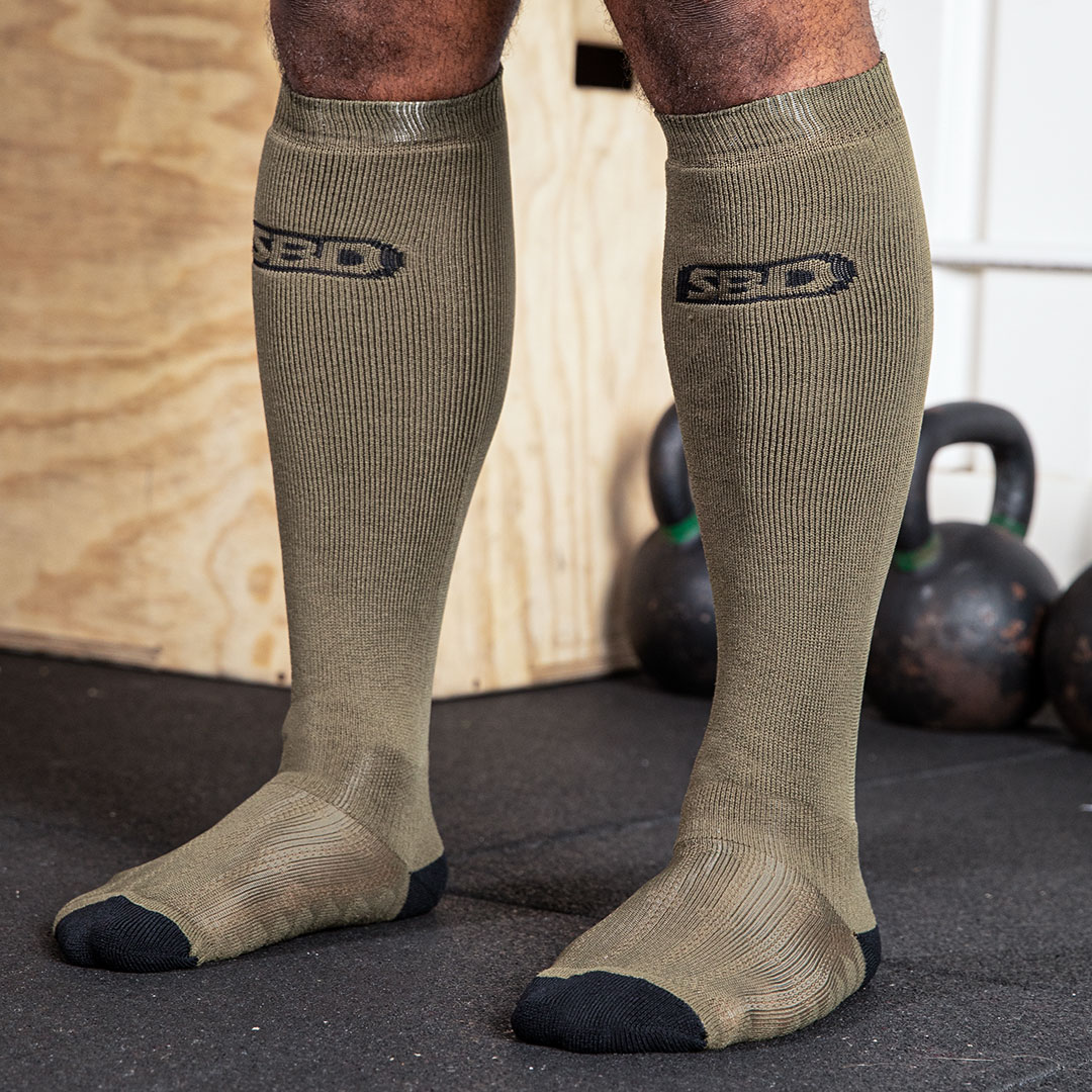 DEADLIFT-SOCKS-GREEN-02